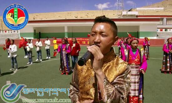 岗巴县中学传统文化进校园之民族舞蹈